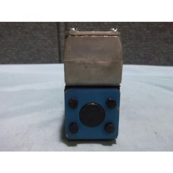 Used Gambia Sperry Vickers DG4V 3 2A W B 12 Pilot/Directional Valve 110-120VAC 50/60Hz #3 image