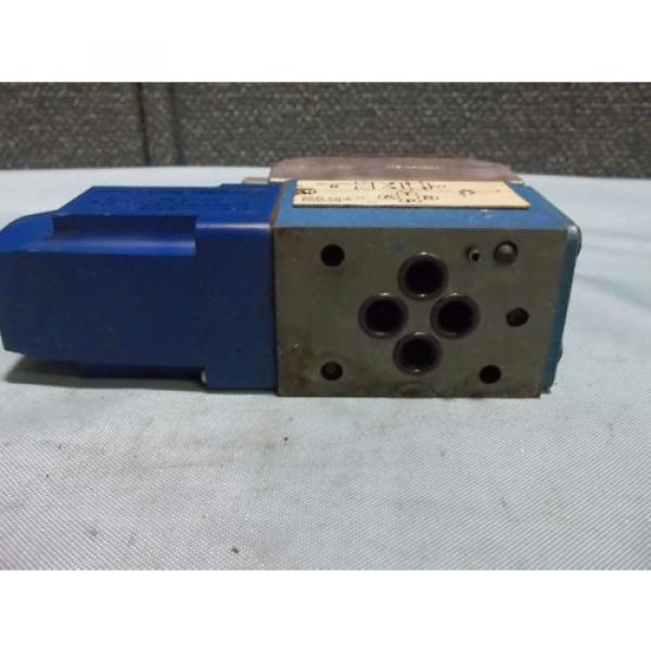 Used Gambia Sperry Vickers DG4V 3 2A W B 12 Pilot/Directional Valve 110-120VAC 50/60Hz #4 image