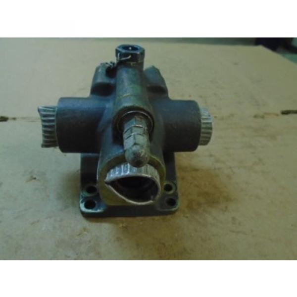 1 Brazil EA USED VICKERS HYDRAULIC SAFETY RELIEF VALVE FOR VINTAGE AIRCRAFT P/N AA11602 #2 image