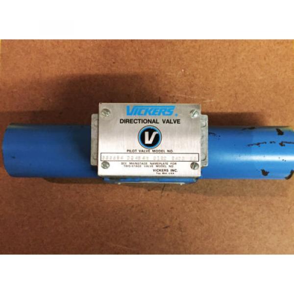 Vickers SolomonIs Hydraulic Directional Valve 586694 DG 4S 4W 012C 24DC 50 #1 image