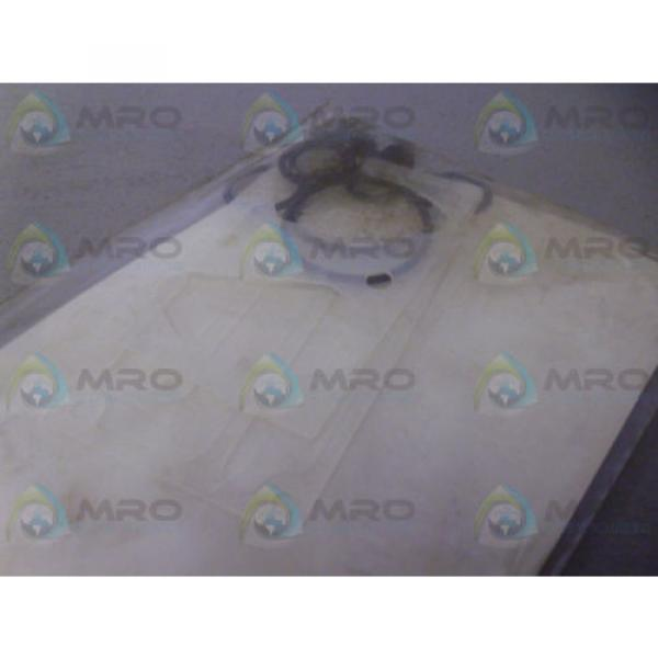 VICKERS Mauritius  920304 SEAL KIT Origin IN FACTORY BAG #3 image