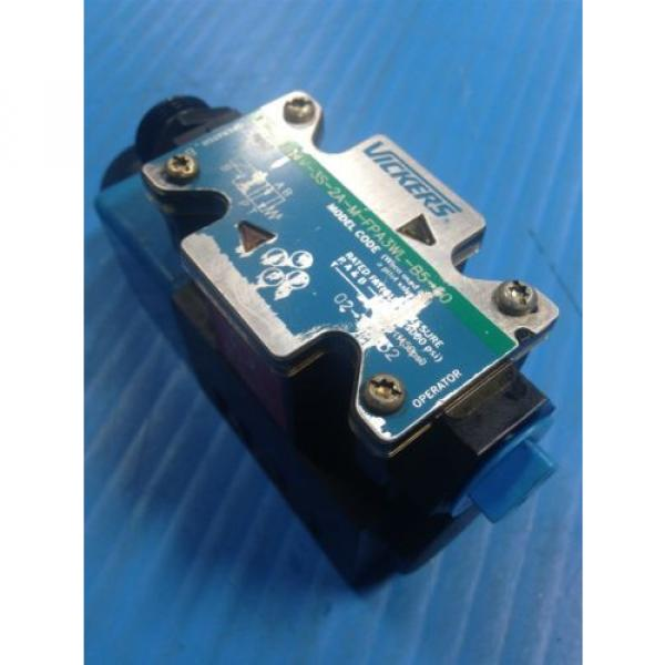 USED Gambia  VICKERS DG4V-3S-2A-M-FPA3WL-B5-60 SOLENOID DIRECTIONAL VALVE G2 #1 image