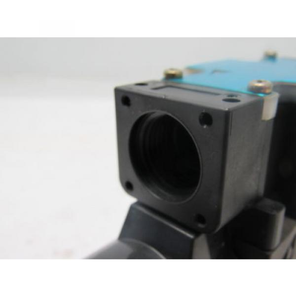 Nachi Guatemala  SL-G01-C5-R-D2-31 Hydraulic Solenoid Directional Control Valve Wet Type #6 image