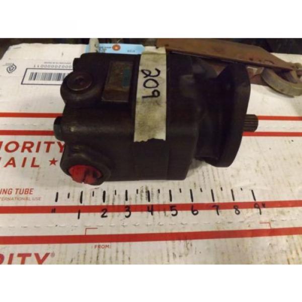Vickers CostaRica R3 V20P 1S13T 10-02731 Hydraulic Pump #1 image